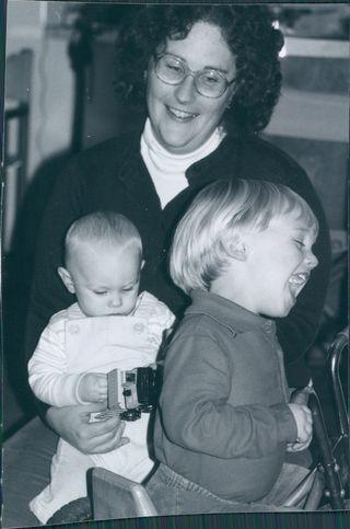1982-12-d